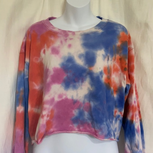 Wild Fable crop lightweight tie dye sweatshirt